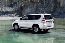 Toyota-Land_Cruiser_2014_1600x1200_wallpaper_17